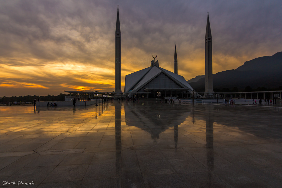 last sunset of 2015 at shah faisal mosque