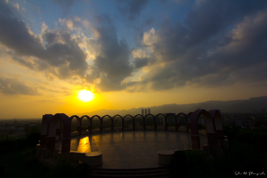 stunning sunset view from pakistan monument
