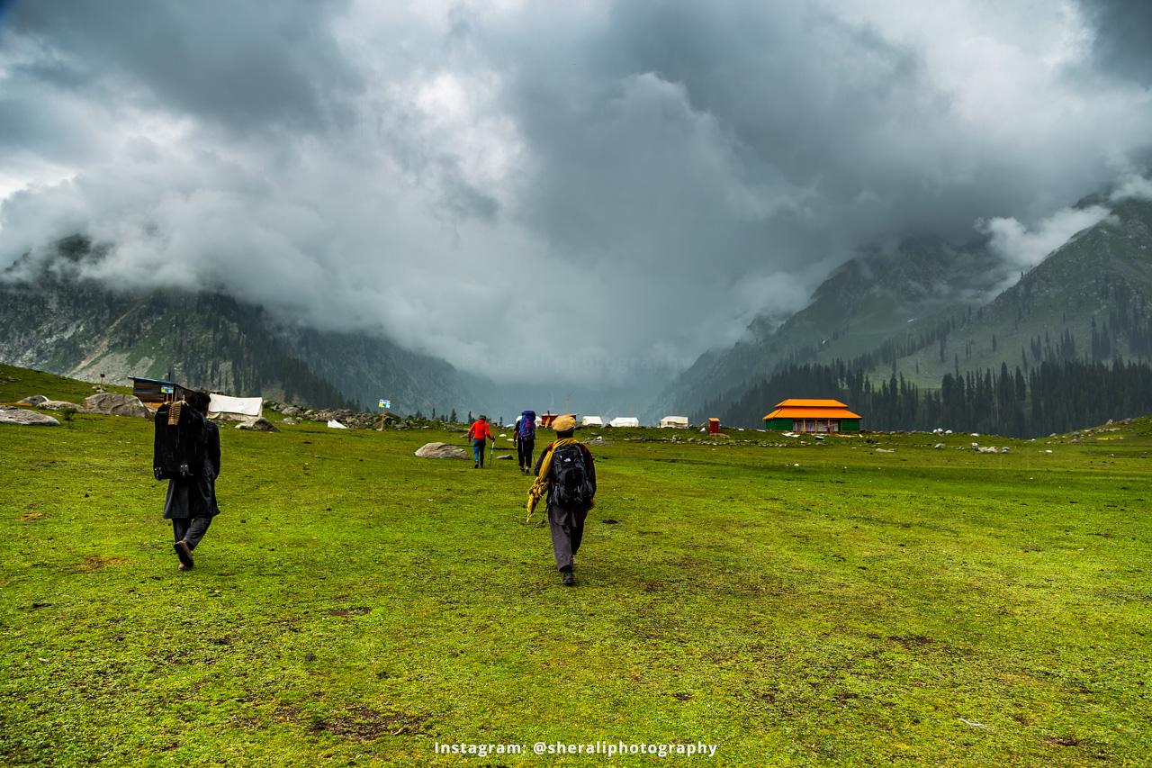 The Mesmerizing Jahaz Banda Meadows